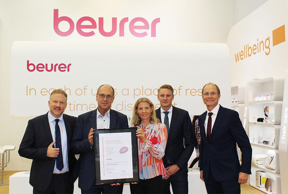 Beurer ausgezeichnet! v.r.n.l.: Markus Bisping, René Efler, Kerstin Glanzer, Sebastian Kebbe und Georg Walkenbach