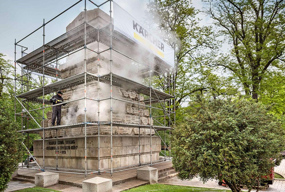 Die Reinigung des vor 135 Jahren erbauten Denkmals dauerte insgesamt zwei Tage.